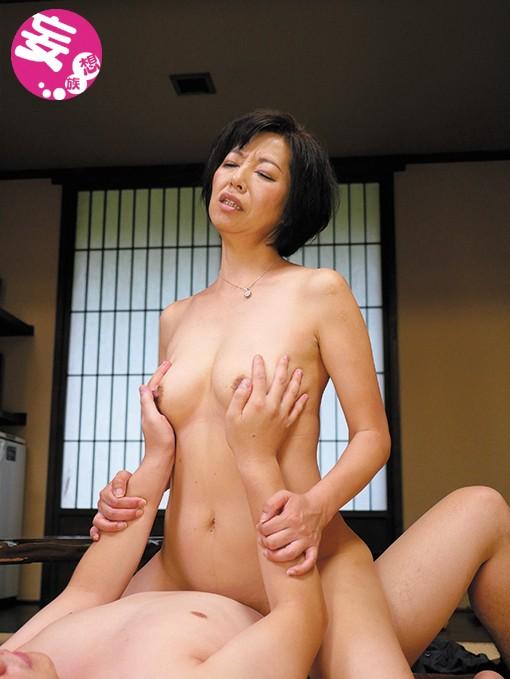 五十路の垂れ乳母ちゃんの膣に生中出し サンプル画像  No.3