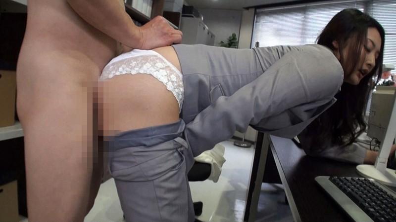 働く美尻OLのパンツスーツに射精 お姉さんのスーツ4 サンプル画像  No.3