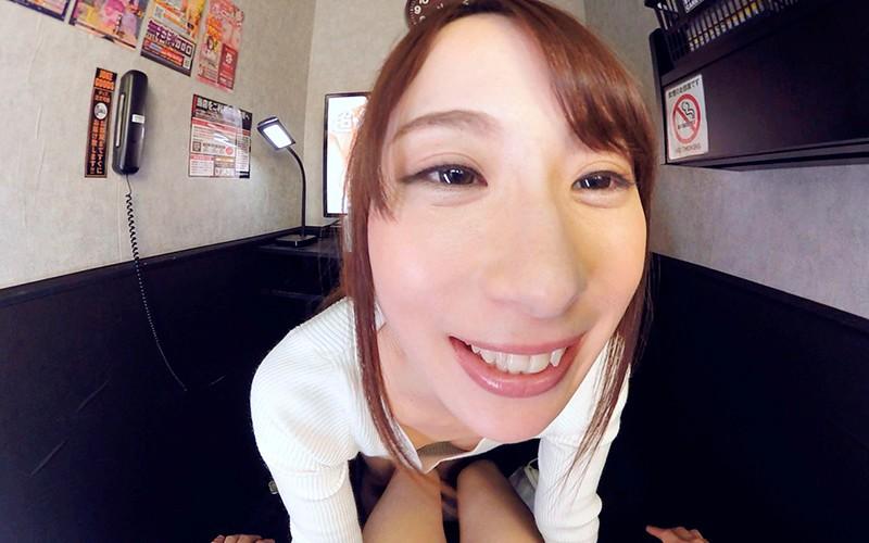【VR】HQ高画質対応 乱入!ハプニング個室ビデオ 橋本れいか サンプル画像  No.4