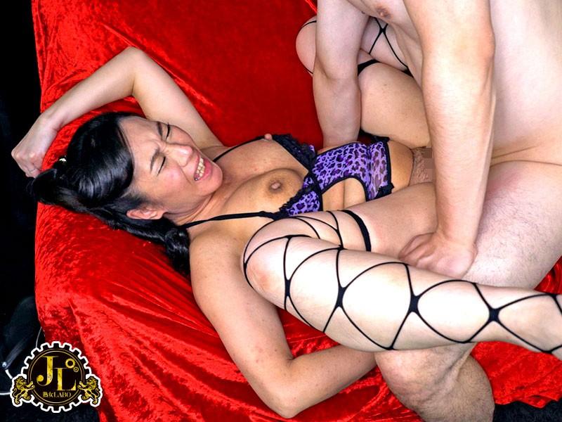 熟女風俗の聖地・巣鴨のピンサロ嬢は勃起した肉棒に興奮して生で本番させてくれるらしい…2 サンプル画像 No.7