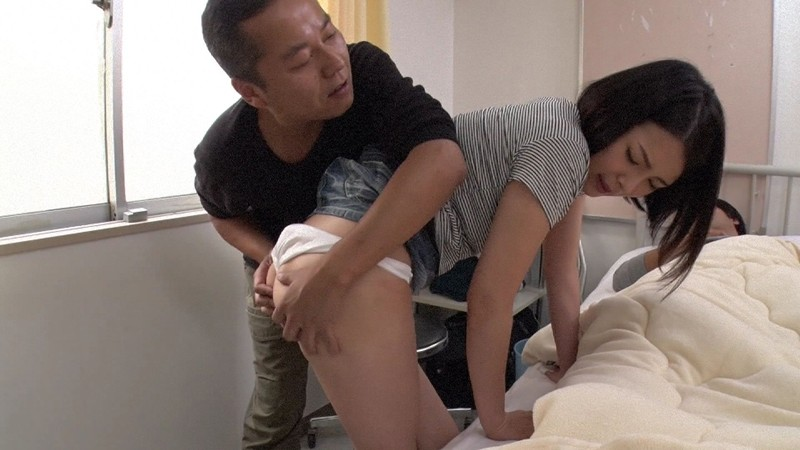 彼氏が寝てる隙に超可愛い彼女を襲って中出し 福咲れん サンプル画像 No.1