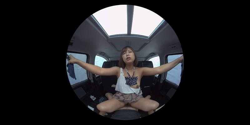 【VR】VR発情女子○生 クソ狭い車内でイヤラシイ身体を貪り合い肉食系カーセックスしまくりました 素人女子○生01ひなた サンプル画像 No.7