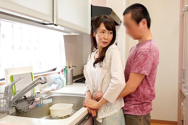 息子を誘惑する五十路母 麻生まり サンプル画像 No.3