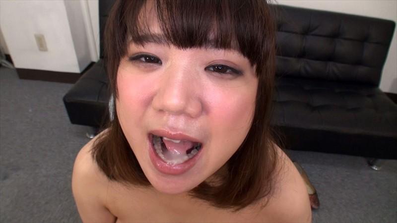 オチ●チンを舐めるのが大好きな素人娘たちの下品すぎるフェラチオ サンプル画像  No.8