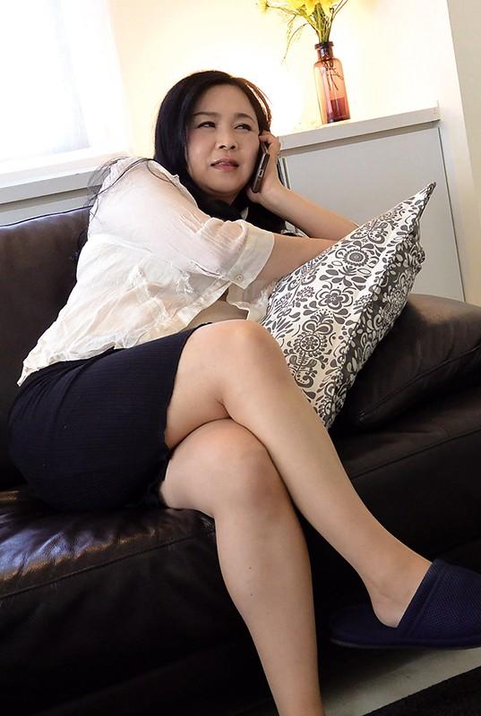 堅物で爆乳な妻を騙して結婚記念日に夫婦で泊まったホテルで性感マッサージを…K子さん サンプル画像  No.3