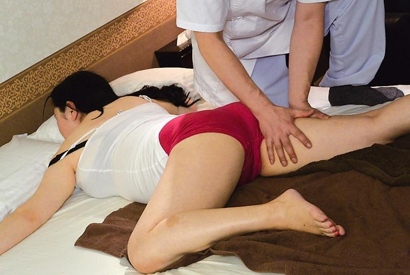 堅物で爆乳な妻を騙して結婚記念日に夫婦で泊まったホテルで性感マッサージを…K子さん サンプル画像  No.5