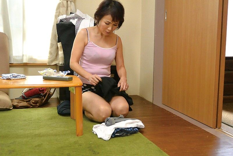 秋田から上京した嫁の母が…六十路義母 内原美智子 サンプル画像 No.3