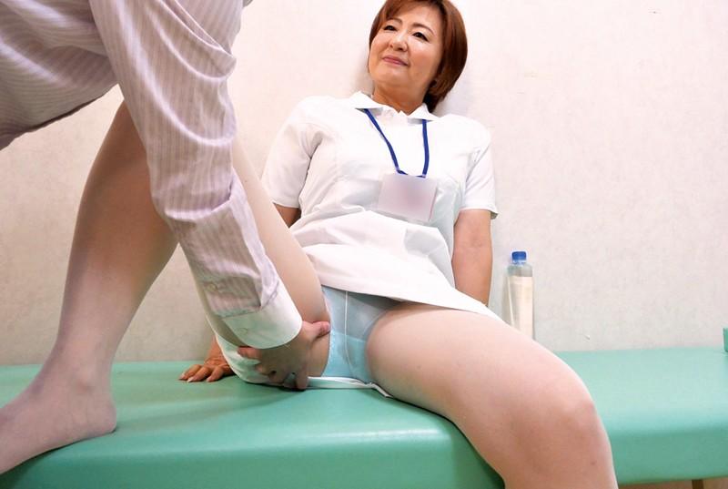 地方の働くレディ 看護師の巨乳おばさん 茨城熟女 守谷多香子 53歳 サンプル画像  No.6