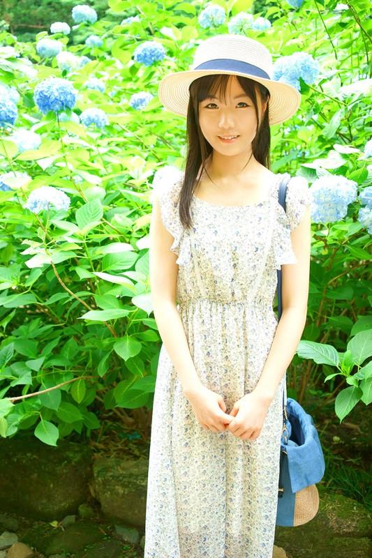 門限19時のお嬢様、地元鎌倉にて貧乳華奢な肢体を震わせて、処女喪失DEBUT 千野みゆき 18才 1枚目