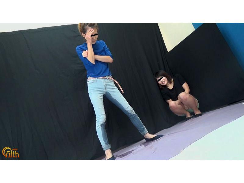 おしっこガマン極限対決 ショートパンツ娘VSピッタリスキニ―女 お漏らし勝負 サンプル画像  No.4
