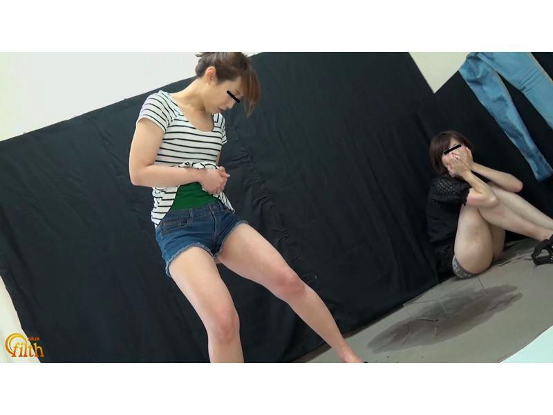 おしっこガマン極限対決 ショートパンツ娘VSピッタリスキニ―女 お漏らし勝負 サンプル画像  No.6