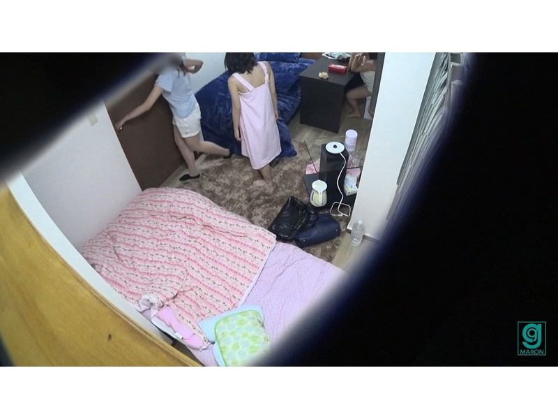 学生寮のベッド下潜伏 マ○コ眼前アクメ多発オナニー サンプル画像  No.3
