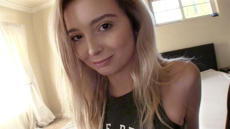 ロスでナンパした9頭身女子大生がノーブラ大股開脚を見せつけてきたので強引に口説き落として勝手にAVデビューレキシー(19歳) サンプル画像  No.2