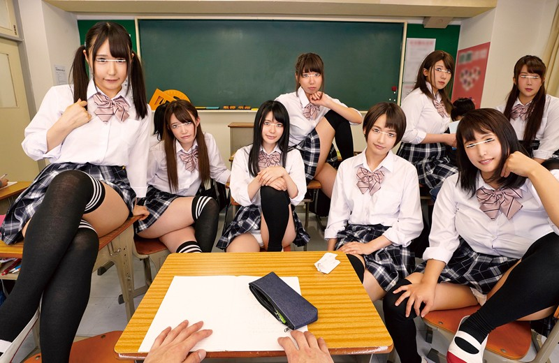【VR】HQ超激的高画質 ニーハイ×ミニスカ女子ととにかくヤリまくり!!受験に失敗して入った学校は昨年まで女子校で共学になった超がつくほどのおバカ学校!!偏差値激低のヤリマン女子ばかりで男はボク1人!皆、ニーハイにミニスカートと、とてもそそる格好!!見ない… サンプル画像  No.4