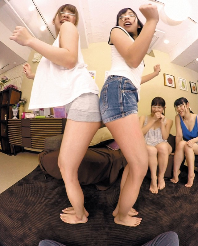 【VR】VR長尺 HunterVR1周年記念!お客様感謝!特盛SP-前編291分!女子大生だらけのシェアハウスに男はボク1人!上京して女子大生だらけのシェアハウスに入居したら毎日毎晩女子大生たちと楽しいエッチなゲーム&飲み会ばかり!!当然、男は1人しかいないから女子たちが… サンプル画像 No.6