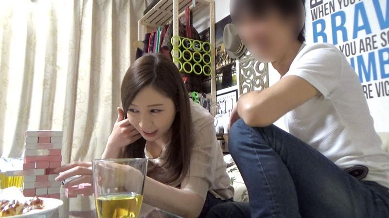 イケメンが熟女を部屋に連れ込んでSEXに持ち込む様子を盗撮した動画。 FANZA限定!先行配信スペシャル!!67 サンプル画像 No.6