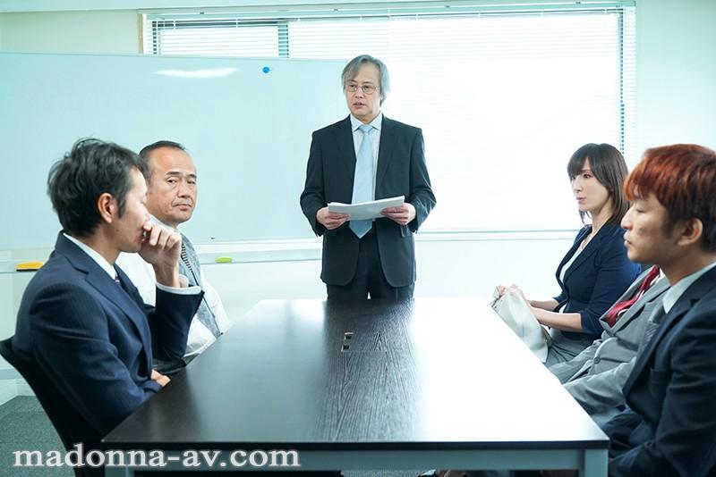 密着セックス ~保護者会で始まる不貞、苦悩を分かち合う二人~ 澤村レイコ サンプル画像  No.1