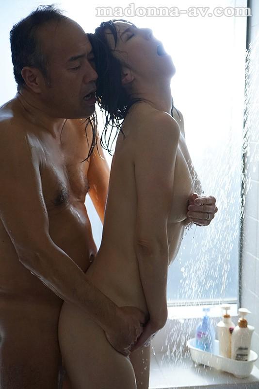 密着セックス ~保護者会で始まる不貞、苦悩を分かち合う二人~ 澤村レイコ サンプル画像  No.6