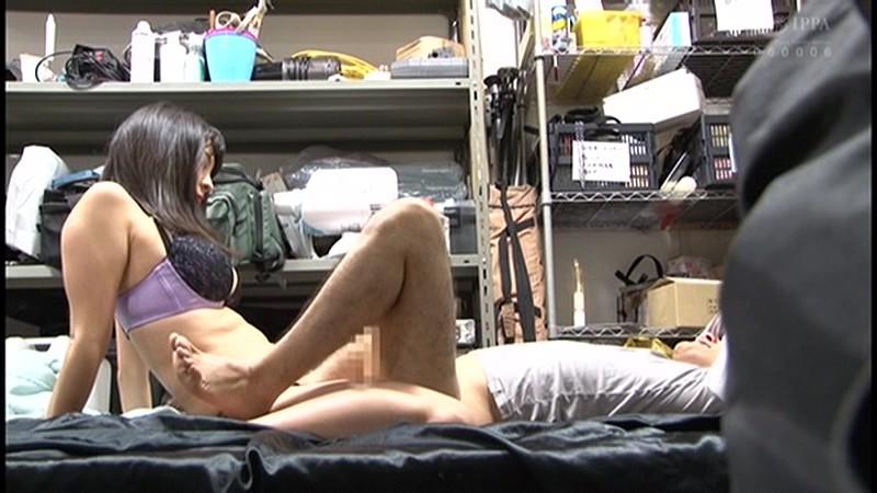 控え室で待機してたら女優に痴女の練習台にされてアナルまで犯された(嬉)! サンプル画像  No.6