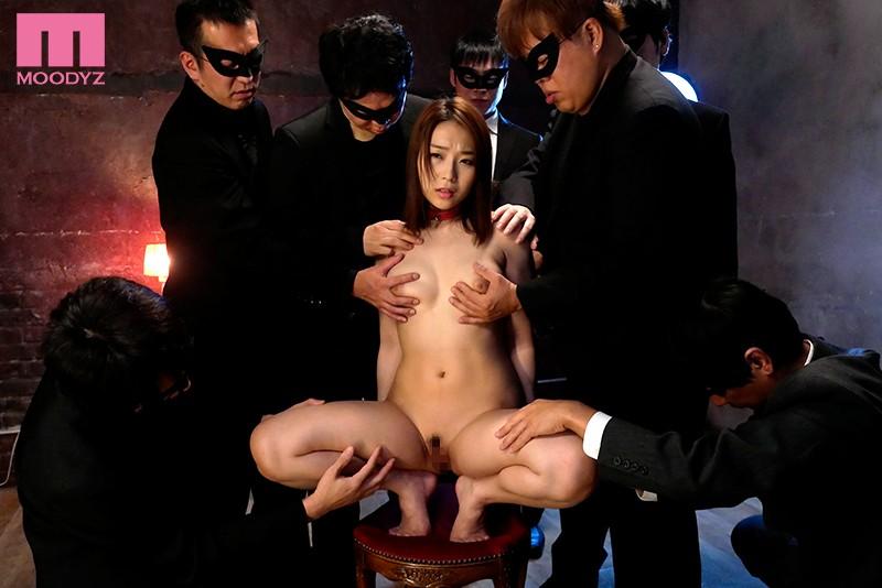 身動き出来ない美女を徹底輪姦 ギロチン中出し肉便器 八乃つばさ サンプル画像  No.1