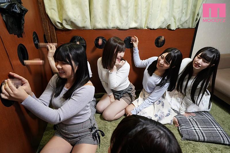 珍棒館 壁ち●ぽの館に迷い込んだ卒業旅行中の女子大生6人組 サンプル画像  No.3