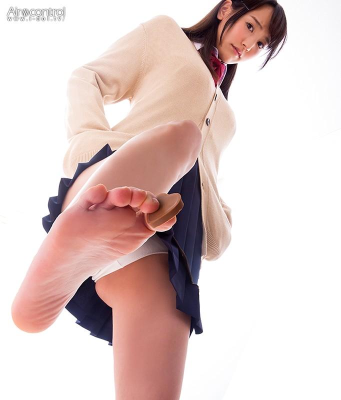 浜田由梨 「罵られながら足で踏まれたい動画 村上水軍×浜田由梨」 サンプル画像 6