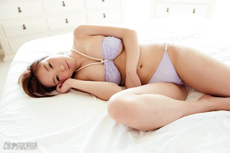 麻生亜実 「果汁200%BODY」 サンプル画像 3
