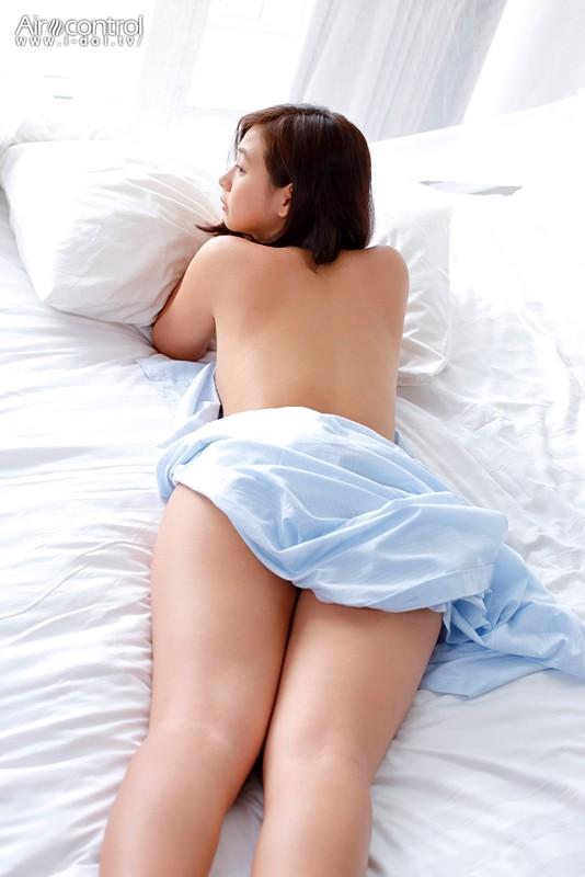 佐山彩香 「近くなる二人」 サンプル画像 3