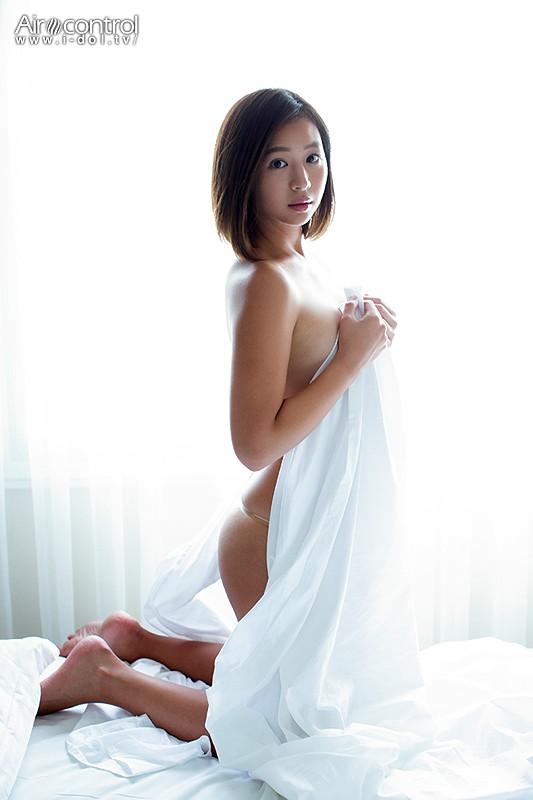佐山彩香 「ラストグラビア」 サンプル画像 6
