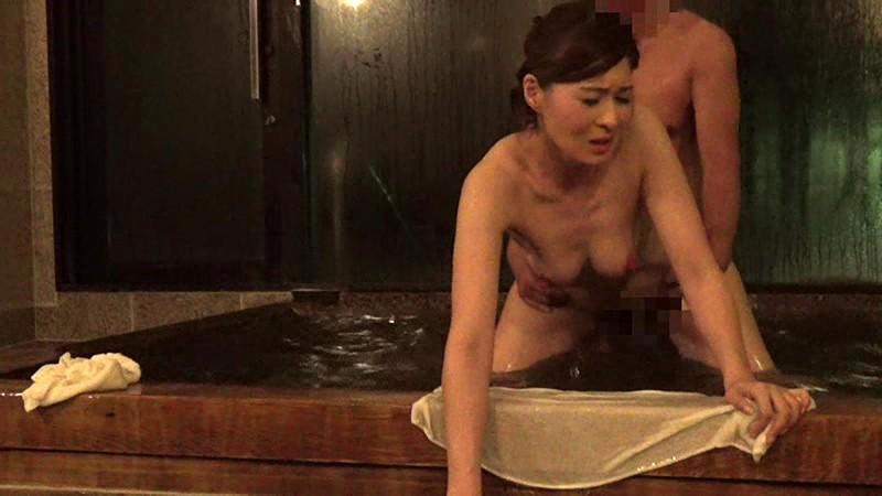 混浴盗撮6 ひとり旅のスタイルのいい熟女と混浴風呂で一発ハメちゃいました 北川礼子 美咲はるか サンプル画像  No.5