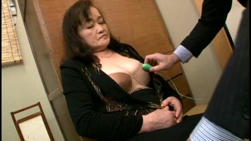 【お得セット】日舞の師匠さん・悲猥な年老いた不幸な母・孤独な還暦熟女の蘇る性欲 16枚目