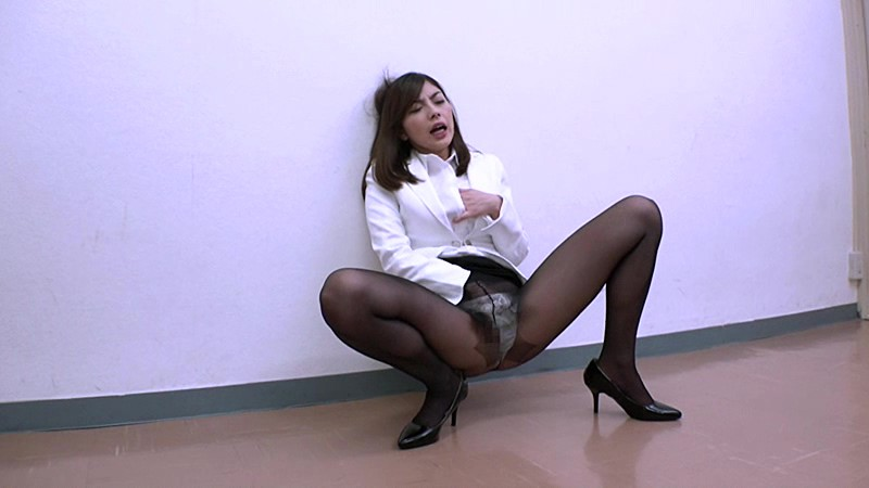 受刑者や職場の上司に迫られる咲流さんは、セクハラされまくりの女刑事 卯水咲流 サンプル画像 No.2