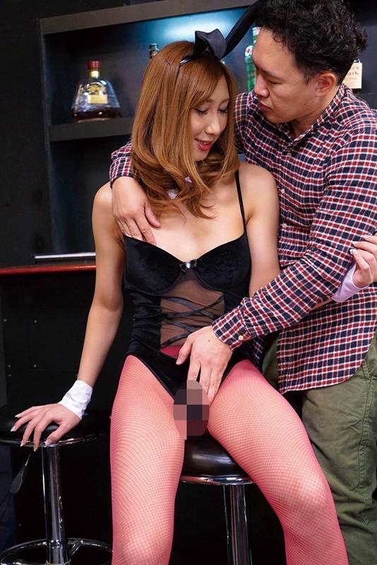 専属ニューハーフ女優・奄美まなが4つのコスプレで痴女責め爆射精SEX サンプル画像 No.4