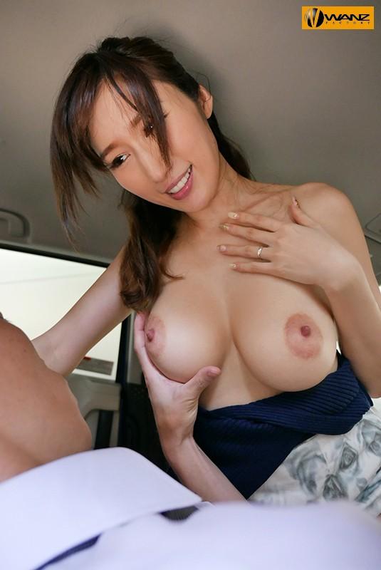 妊娠OK!!色気むんむんで迫ってくる爆乳ヤリマン不倫人妻 JULIA サンプル画像  No.1