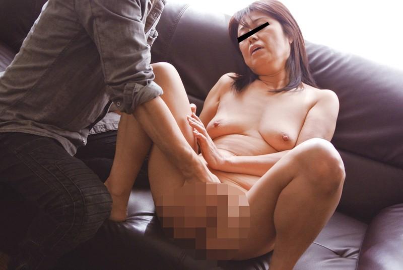 おばさんナンパ 美熟女中出し交渉4時間 サンプル画像 No.2