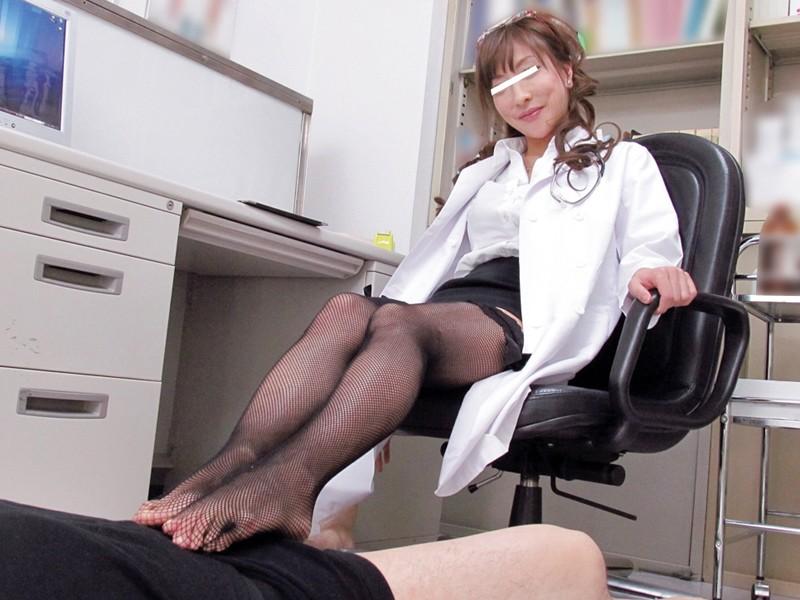 女医のおばさんがうっとりしちゃう生チ○ポ、治療と云われてしゃぶられて4時間 サンプル画像 No.2
