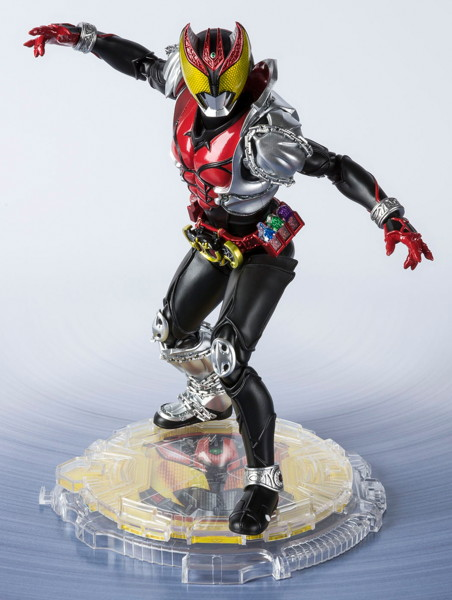 S.H.Figuarts (真骨彫製法) 仮面ライダーキバ キバフォーム 『仮面ライダーキバ』