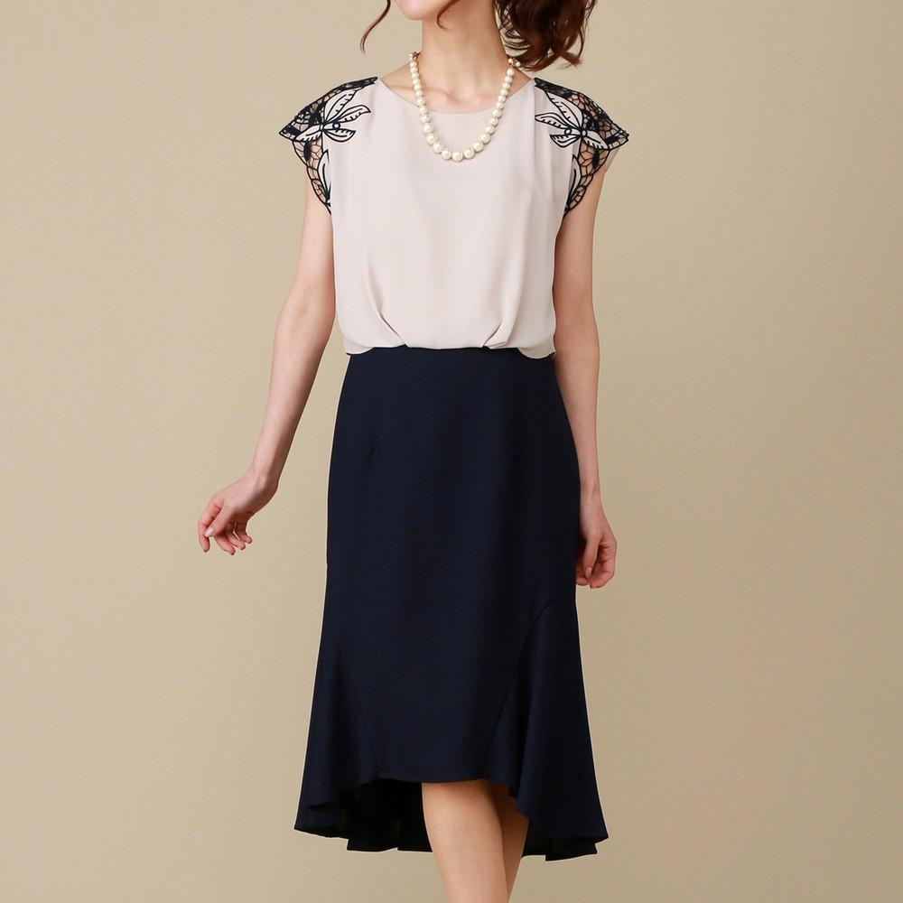 レディースファッションレンタル、ミディアムドレス、ドレス、ベージュ シーズ ショルダーレース バイカラー ミディアムドレス ベージュ×ネイビー