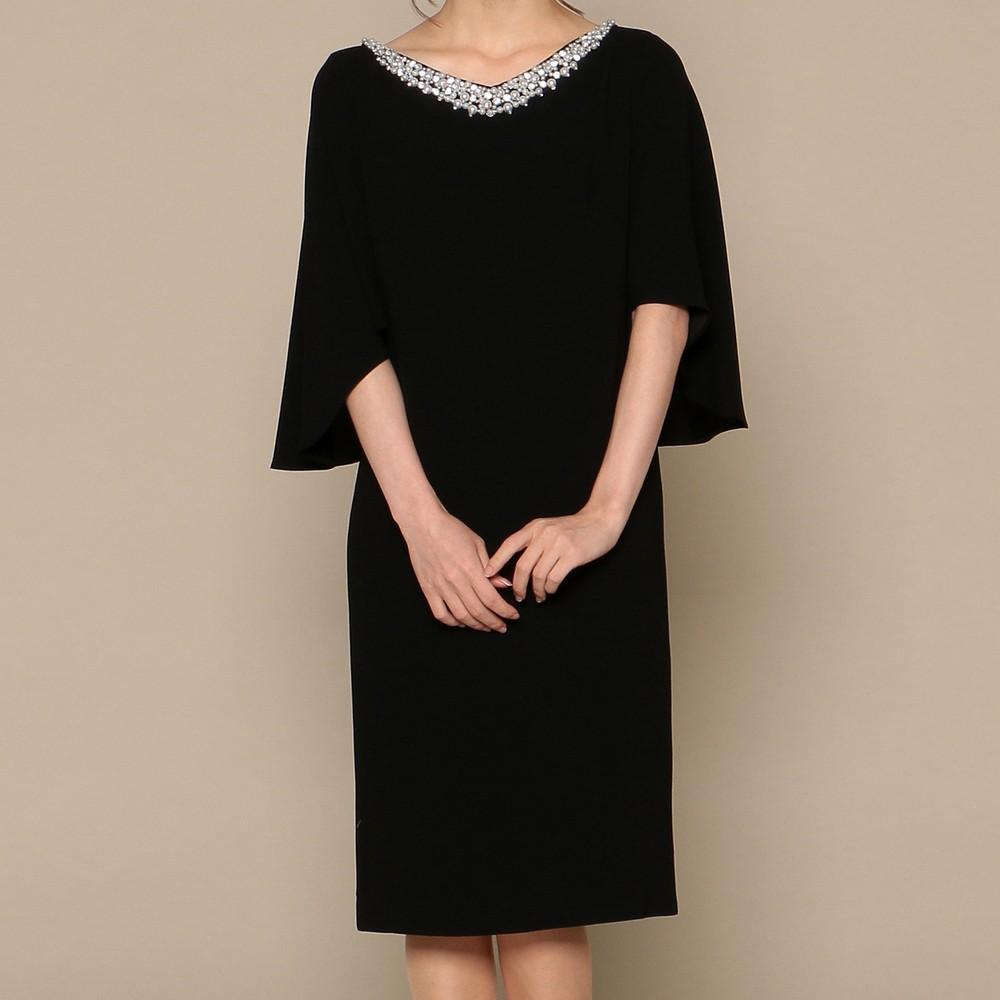 レディースファッションレンタル、ミディアムドレス、ドレス、ブラック グレースコンチネンタル フレアスリーブ 首元パール ミディアムドレス ブラック